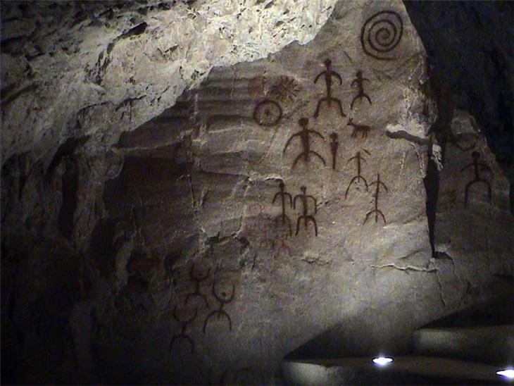 | Paleolitico: nella grotta santuario